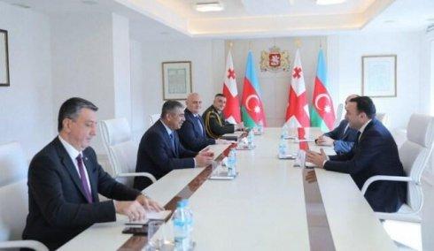 Zakir Həsənov İrakli Qaribaşvili ilə görüşdü