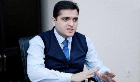 """Elxan Şahinoğlu:""""İbrahim Rəisi qonşularla münasibətləri gərginləşdirmək xəttini seçib"""""""